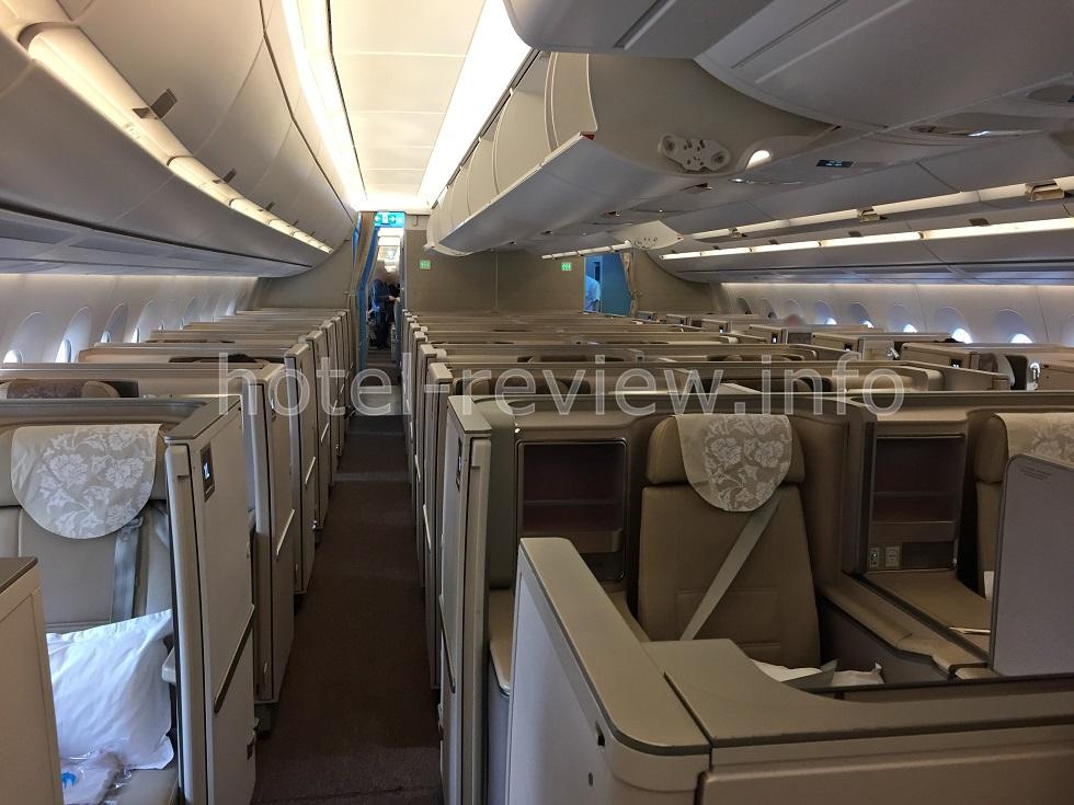中国東方航空ビジネスクラス機内